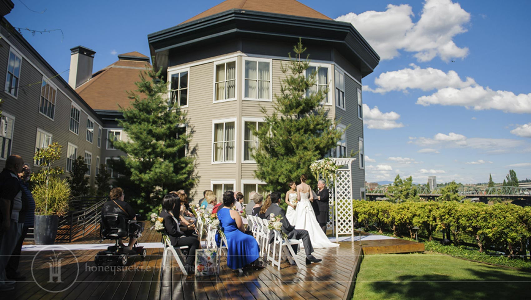 small outdoor Riverplace hotel wedding venue